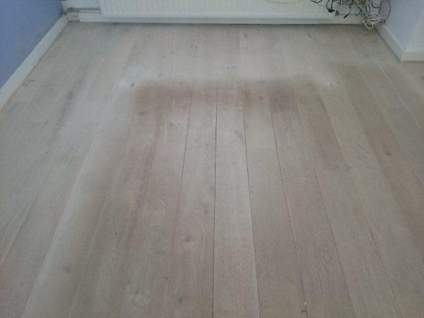 White wash vloer 2 jaar oud, zonder beschermende laklaag