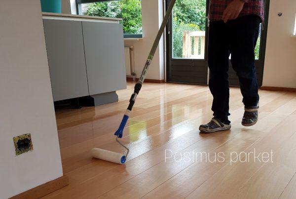 Houten vloer laten lakken