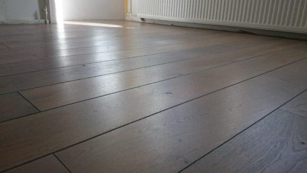 Eiken vloer laten schuren grey wash postmus paarket groningen - Grijs gekleurd ...