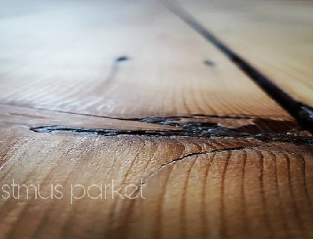 Grenen houten vloer schuren lakken