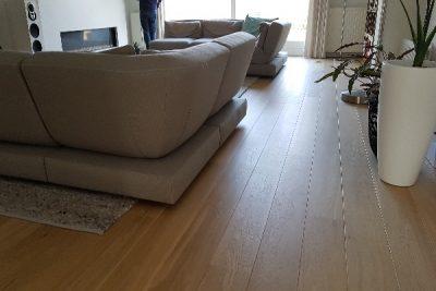 houten vloer schuren in Sappemeer